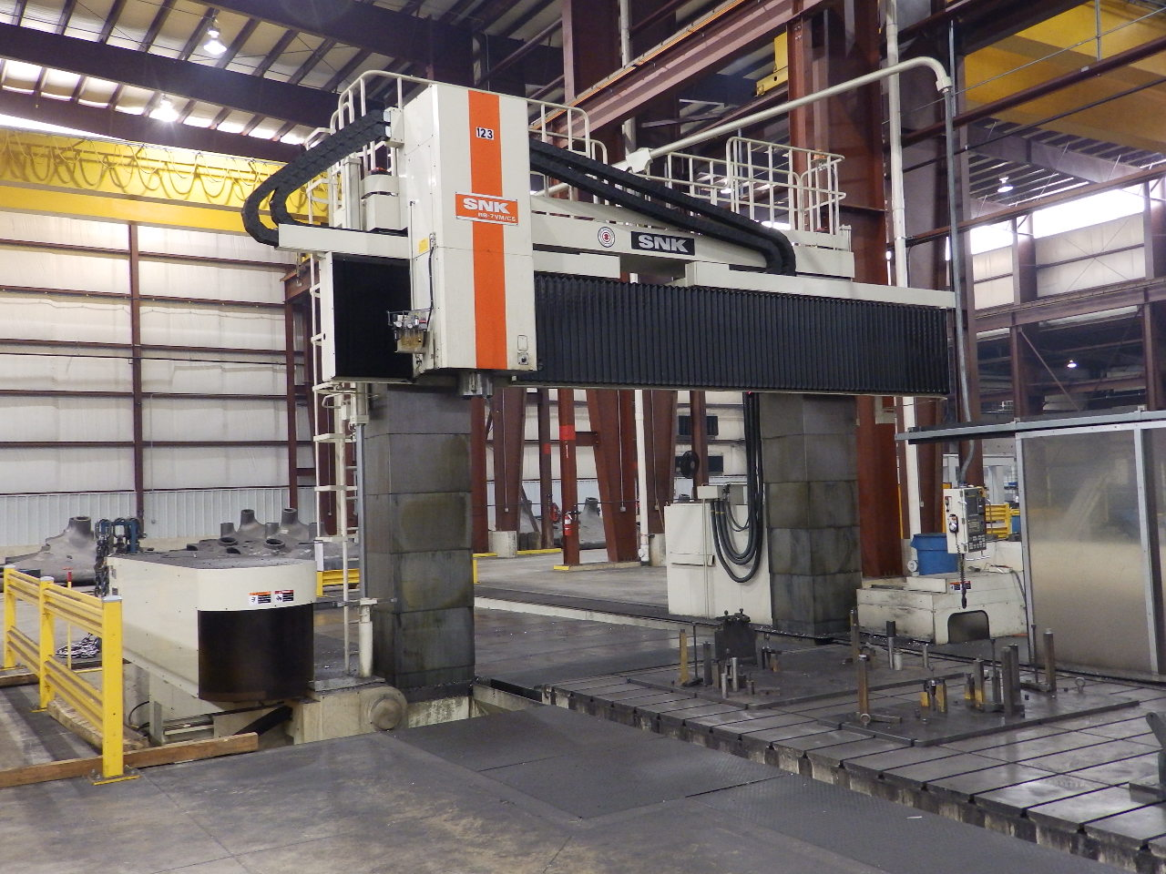 Picture #3 – Large Vertical Gantry Machine – SNK RB7-VM